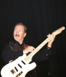 'on the lead guitar...' - James Burton live on stage in Dordrecht